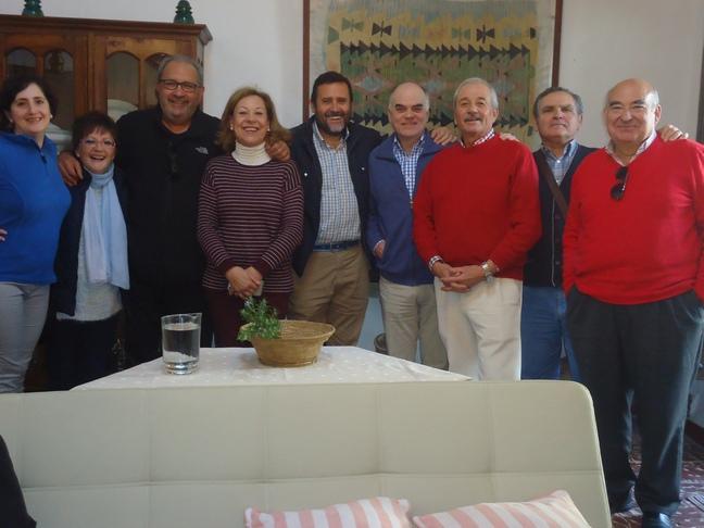 Anfitriones y visitantes.